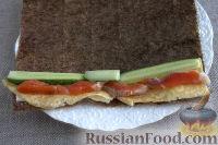 Фото приготовления рецепта: Роллы с горбушей и омлетом - шаг №6