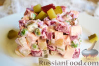 Фото к рецепту: Салат со свеклой «Уплетайка»