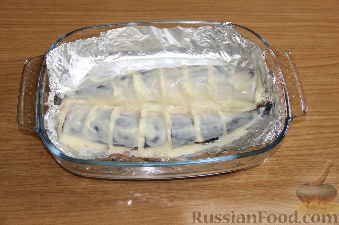 Фото приготовления рецепта: Куриная печень, тушенная с ананасами и сметаной - шаг №3