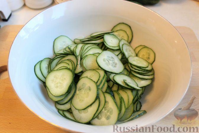 Фото приготовления рецепта: Японский салат из огурцов - шаг №4
