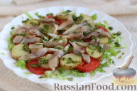 Фото к рецепту: Салат с молодым картофелем и селедкой