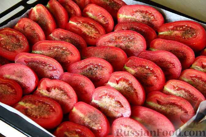 Фото приготовления рецепта: Вяленые помидоры - шаг №3