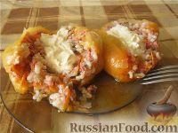Фото к рецепту: Болгарский перец, фаршированный мясом и рисом