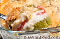 Фото к рецепту: Запеканка из кабачков с соусом бешамель