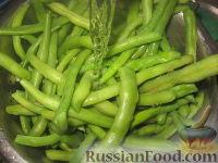 Фото приготовления рецепта: Стручковая фасоль жареная с яйцами - шаг №3