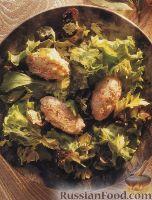 Фото к рецепту: Салат с рыбными котлетами