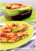 Фото к рецепту: Макарошки с куриным фаршем, зеленью, морковью... под томатным соусом