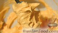 Фото к рецепту: Масляно-заварной крем на апельсиновом соке