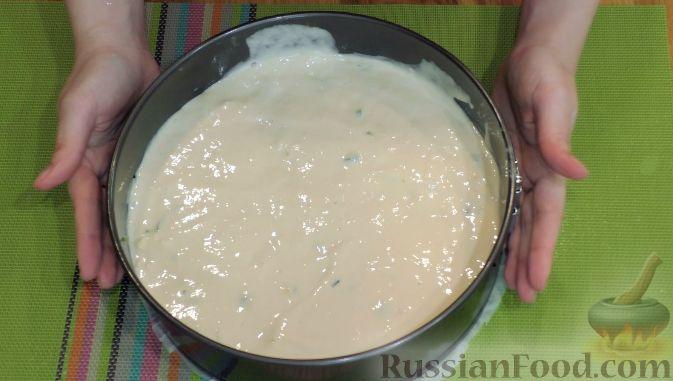 Пирог с луком и яйцами на кефире в духовке