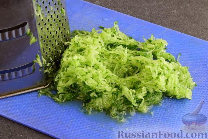 "Фото приготовления рецепта: Соус ""Дзадзики"" по-критски - шаг №2"