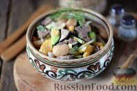 Фото к рецепту: Салат с куриной печенью, фасолью и огурцами