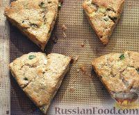 Фото к рецепту: Песочные сконы с сыром и перцем