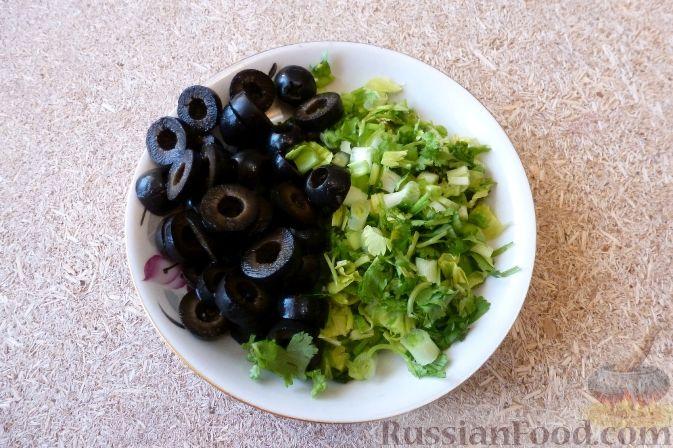Фото приготовления рецепта: Тушёная капуста с кускусом и сладким перцем - шаг №14