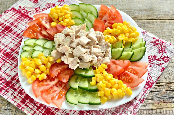 Фото приготовления рецепта: Праздничный салат с курицей - шаг №8