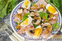 Фото к рецепту: Салат с ветчиной, свежими шампиньонами и шпинатом
