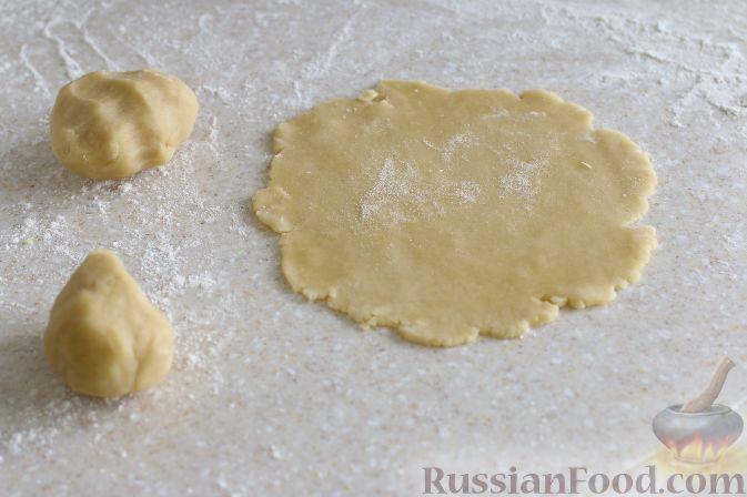 Фото приготовления рецепта: Тарталетки с черешней - шаг №6