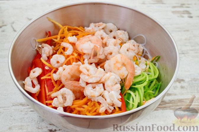 Салат из корейской морковки свеклы огурцов и чипсов