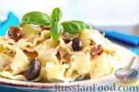 Фото к рецепту: Сливочный соус с тунцом и вялеными помидорами