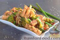 Фото к рецепту: Кальмары с брокколи, в соевом соусе