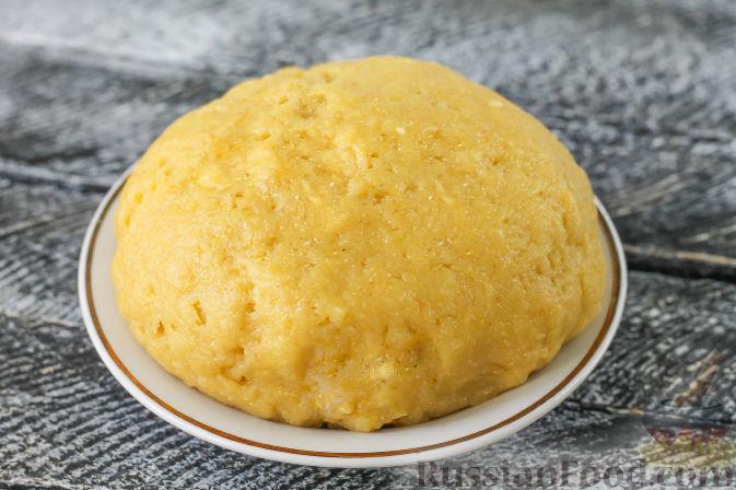 Фото приготовления рецепта: Песочный пирог с черешней - шаг №4