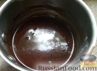 Фото приготовления рецепта: Сладкая колбаска со сметаной - шаг №4