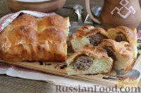 Фото к рецепту: Дрожжевой пирог с фрикадельками