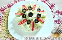 Фото к рецепту: Слоеный салат с крабовыми палочками и яблоком