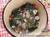 Фото приготовления рецепта: Овощной салат с брынзой и сухариками - шаг №10