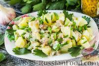 Фото к рецепту: Картофельный салат с копчёной скумбрией