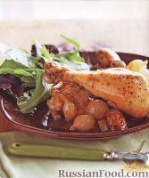 Фото к рецепту: Курица, тушенная с овощами и травами