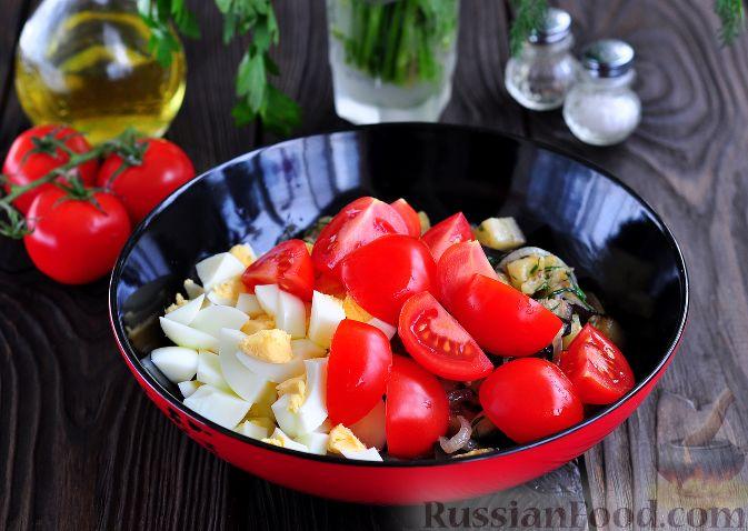 Фото приготовления рецепта: Салат из баклажанов и яиц - шаг №6