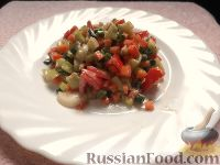 Фото к рецепту: Салат с морковью, перцем и помидором