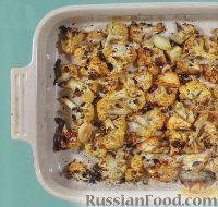 Фото к рецепту: Цветная капуста, запеченная с паприкой и чесноком