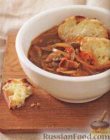 Фото к рецепту: Луковый суп с беконом и грибами