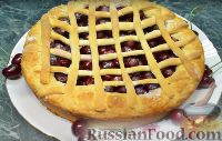 """Фото приготовления рецепта: Пирог """"Вишневый сад"""" с вишней - шаг №14"""