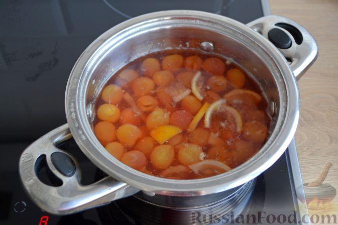 Фото приготовления рецепта: Варенье из белой черешни, с лимоном - шаг №8