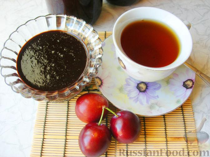Фото к рецепту: Варенье сливово-шоколадное