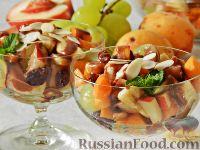 Фото к рецепту: Сладкий фруктовый салат с шоколадным соусом