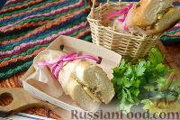 Фото к рецепту: Сендвич с тунцом и кукурузой