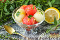 Фото к рецепту: Салат из дыни и арбуза