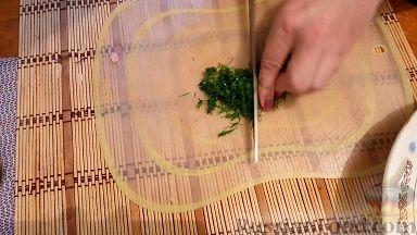 Фото приготовления рецепта: Слойки-конвертики с чечевицей, морковью и курагой - шаг №18