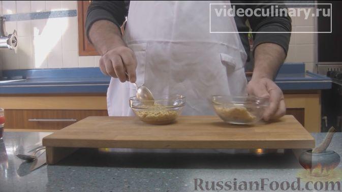 Фото приготовления рецепта: Айва, фаршированная орехами с мёдом, запечённая в духовке - шаг №2