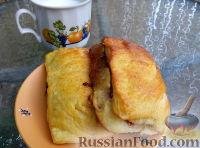 Фото к рецепту: Слойки с клубничным вареньем