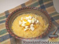 Фото к рецепту: Каша кукурузная с маслом и яйцом
