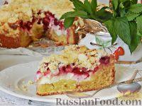 Фото к рецепту: Пирог с вишней и творогом