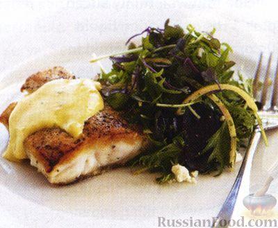 Рецепт Рыба под оливковым голландским соусом и салат из свеклы и сыра фета