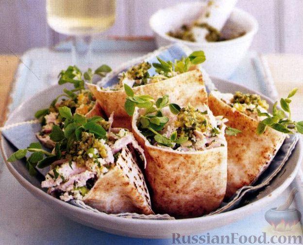 Рецепт Салат из кускуса и мяса индейки с соусом песто