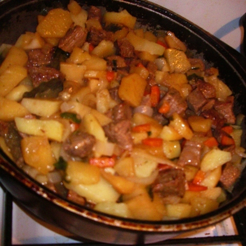 Фото приготовления рецепта: Ньокки из картофеля, сельдерея и моркови, с грецкими орехами - шаг №5