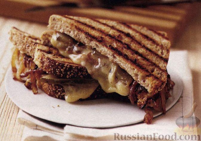Рецепт Горячие бутерброды с сыром и сладким луком