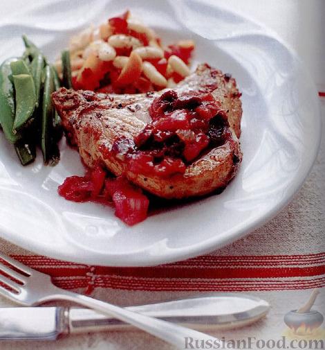 Рецепт Свинина под соусом из ревеня и вишни